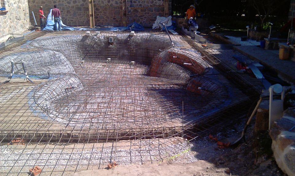 Construcci n de piscinas - Construccion piscinas paso paso ...